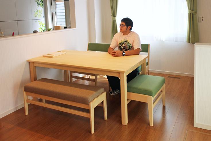 座ベンチダイニングテーブルセットお客様使用例