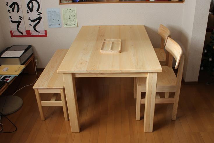 ダイニングテーブルベンチセットお客様使用例