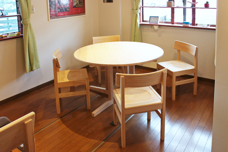 丸ダイニングテーブル円卓120お客様使用例