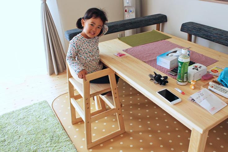 Babyチェアとプレーンダイニングテーブルセットお客様使用例