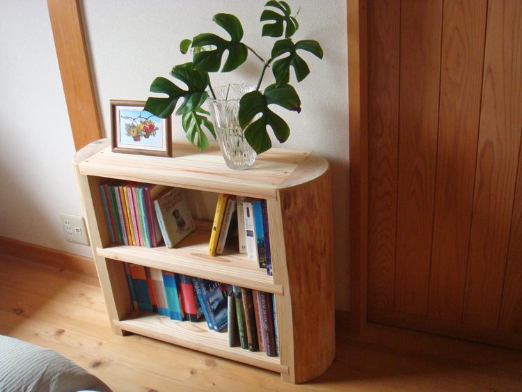 杉のキッズ本棚お客様使用例